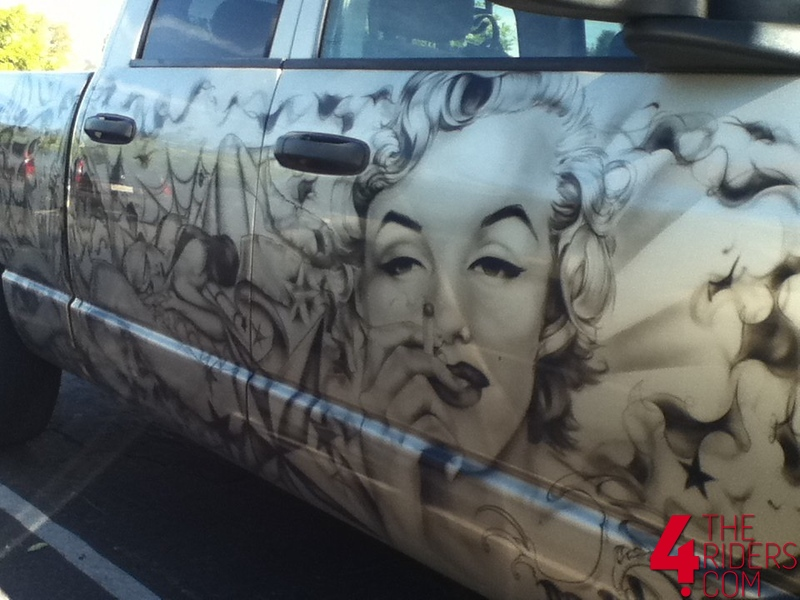 marilyn manroe mural
